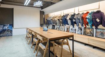Hansc&co, the professional woven shirt manufacturer.